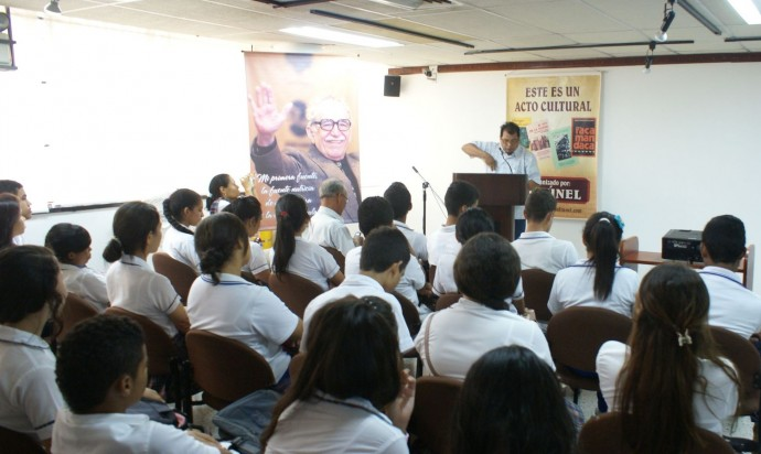 Participación de Estudiantes de Diferentes Instituciones